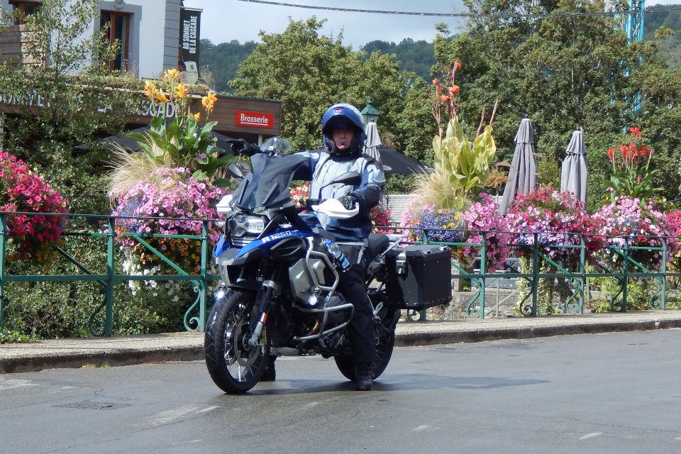 Motorrijbewijspoint Rijswijk examengarantie AVB en AVD
